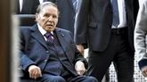 Algérie: le président Abdelaziz Bouteflika a remis sa démission