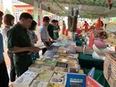 Journée du livre et exposition sur Hoàng Sa et Truong Sa à Hai Duong