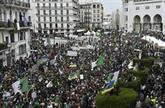 Bouteflika parti, les Algériens dans la rue pour maintenir la pression