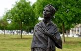 Une statue d'esclave inaugurée à Bordeaux, ville au passé négrier