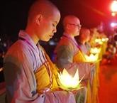 Le bouddhisme en liesse pour la naissance de Bouddha