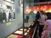 Le portrait de Hô Chi Minh exposé à Hanoï