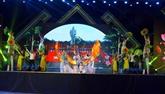 Le Festival du village Sen célèbre lanniversaire de lOncle Hô