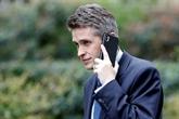 Fuites sur Huawei: May limoge son ministre de la Défense