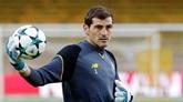 Casillas hospitalisé après un infarctus, le foot ému pour