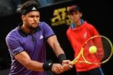 ATP: Tsonga passe dans la douleur à Lyon