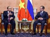 Les Premiers ministres vietnamien et russe saluent les résultats de leur entretien