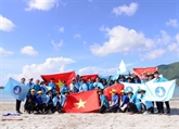 Les étudiants vietnamiens sorientent vers la mer et les îles du pays