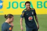 Neymar capitaine déchu, le brassard pour Dani Alves