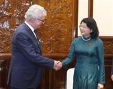 La vice-présidente Dang Thi Ngoc Thinh reçoit le gouverneur du Queensland