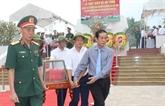 Quang Binh: inhumation des restes de 17 volontaires tombés au Laos