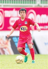 Un vietnamien dans l'équipe ASIAN ELEVEN pour un amical international