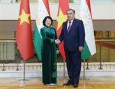 La vice-présidente Dang Thi Ngoc Thinh au Tadjikistan