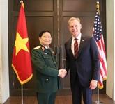 Activités du ministre vietnamien de la Défense en marge du 18e Dialogue Shangri-La