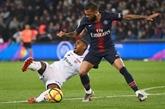 Paris SG: Alves s'en va, bientôt suivi par Neymar?