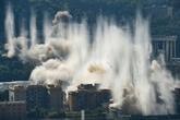 Italie: deux piles restantes du pont de Gênes détruites à l'explosif