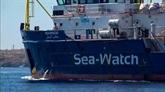 Le Sea-Watch accoste à Lampedusa, la capitaine arrêtée