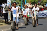 La course de pneus, l'événement sportif et populaire de Mayotte