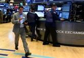 Wall Street hésite, le Nasdaq lesté par la chute de Facebook et Alphabet