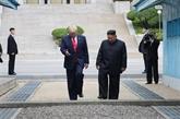 Trump écrit l'histoire avec quelques pas en RPDC