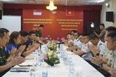 Échange d'expériences entre jeunes officiers vietnamiens et singapouriens