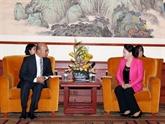 La présidente de l'AN rencontre des hommes d'affaires chinois à Pékin