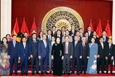 Nguyên Thi Kim Ngân rencontre la communauté vietnamienne en Chine