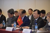 Le vice-PM Trinh Dinh Dung en visite de travail en République Unie de la Tanzanie