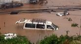 Les touristes vietnamiens secourus après les inondations au Népal