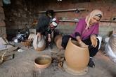 Dans le Nord de la Tunisie, des potières au savoir-faire millénaire