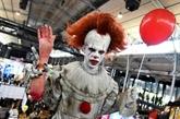 La suite de Ça, toujours aussi sanglante, vient éclabousser le Comic-Con