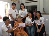 De jeunes Viêt kiêu visitent la province de Quang Nam