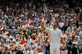 Djokovic reprend sa marche, Osaka s'enfonce