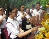 Camp d'été 2019: les jeunes Viêt kiêu en visite dans la province de Quang Ngai