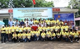L'ambassade de Thaïlande offre des cadeaux aux écoliers démunis de Thai Nguyên