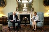 Brexit: en visite en Écosse, Johnson attend un geste de l'UE