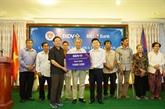 Des familles Viêt kiêu méritantes au Cambodge récompensées