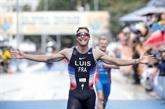 Triathlon: les Bleus restent champions du monde en relais mixte et se qualifient pour Tokyo