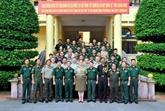Des attachés étrangers de la défense au Vietnam en tournée à Hai Phong et Quang Ninh