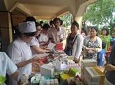 Tây Ninh vient en aide à des Cambodgiens défavorisés