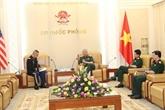 Le général Nguyên Chi Vinh reçoit l'attaché de défense des États-Unis
