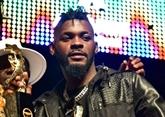 Le chanteur ivoirien DJ Arafat meurt dans un accident, émotion populaire