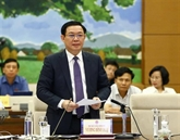 Le vice-Premier ministre Vuong Dinh Huê souligne la détermination à lutter contre la corruption