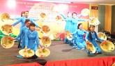 Un concours de chant en vietnamien au Nord-Est de Thaïlande