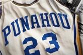 Un maillot de basket de Barack Obama jeune adjugé 120.000 dollars