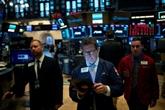 Wall Street clôture en hausse, tablant sur des mesures de relance