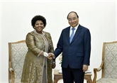 Nguyên Xuân Phuc reçoit la ministre sud-africaine de la Défense et des Anciens combattants