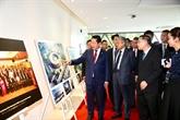 Le PM malaisien partage des expériences du transfert numérique avec le Vietnam