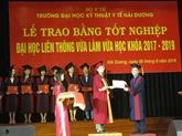 Hai Duong: remise du diplôme universitaire d'ergothérapie
