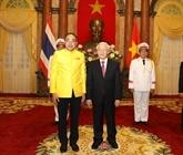 Le président Nguyên Phu Trong reçoit les ambassadeurs de différents pays